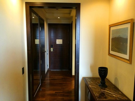 The King David: The entrance hall to my suite