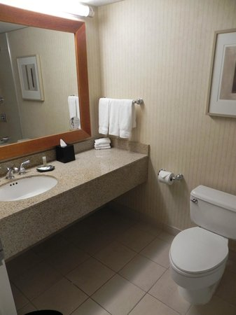 Westin Oaks Houston at the Galleria : Bathroom