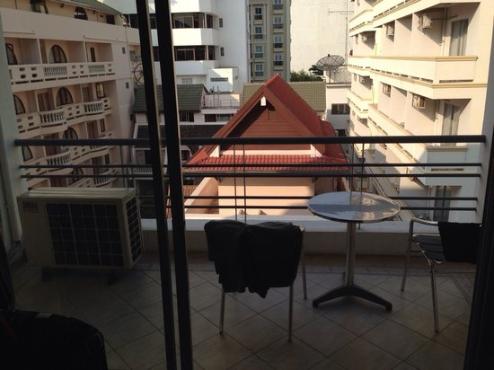 Sandy Spring Hotel: View from standard room