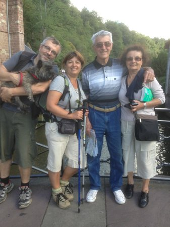 Hotel Le Glacier : The Family on the way (to Compostelle...)
