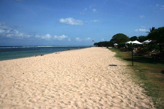 Ayodya Resort Bali: private beach ayodya