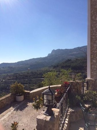 Cases Noves: A view from the terrace at breakfast time