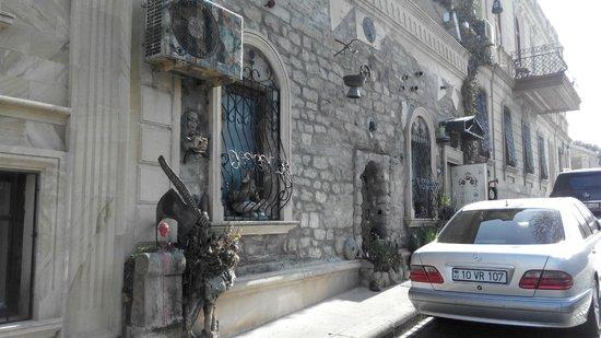 City Walls: Тут тусят художники. на Кичик, рядом с Башней-4.