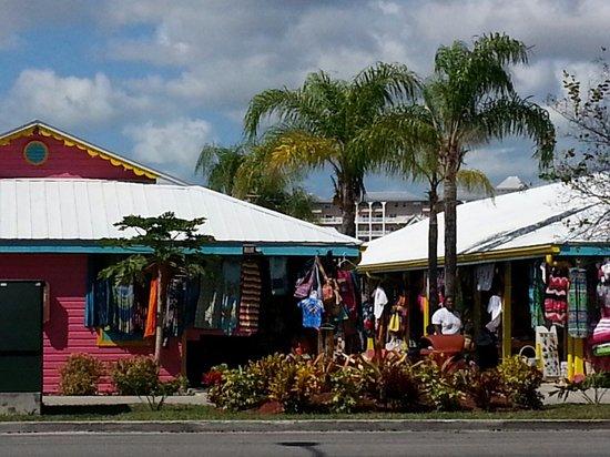 Port Lucaya Marketplace: Lucaya markets