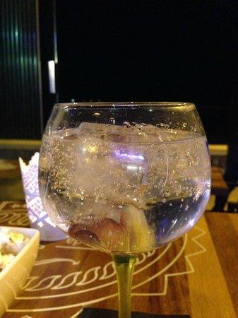 Hotel La Chancla: copa en el bar