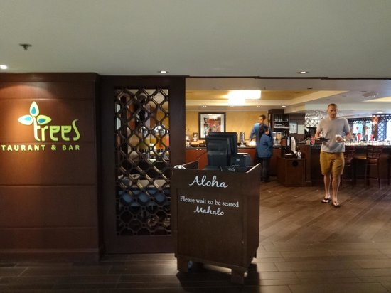 DoubleTree by Hilton Alana - Waikiki Beach: レストラン