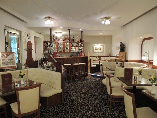 Hotel Stefanie : Bar
