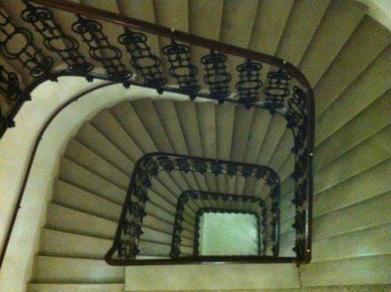 Hotel Ambassador: лестница очень красивая
