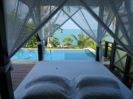 The Tongsai Bay: Double bed on our terrace