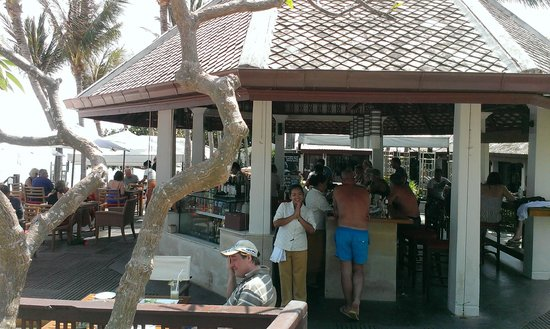 Centara Villas Samui : Happy Hour at Coral Bar