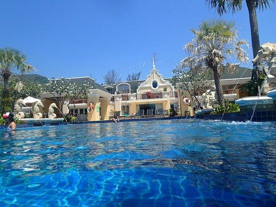 Phuket Graceland Resort & Spa: Main Pool