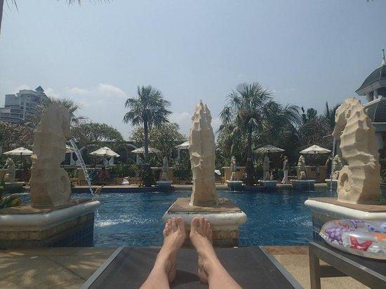 Phuket Graceland Resort & Spa: Sky Pool