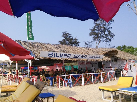 Golden Eye Restaurant : silver sands beach shack