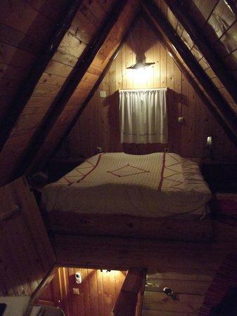 Hotel Pirg: Bedroom (first floor) in Bungalow