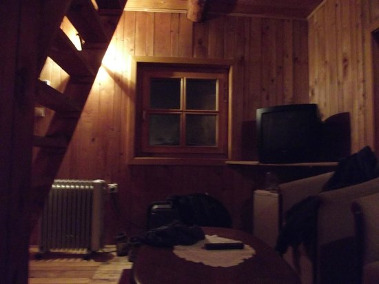 Hotel Pirg: Living room in Bungalow (ground floor)