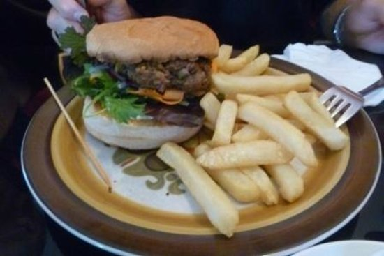 sally's restaurant: Beef burger