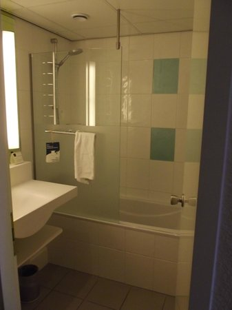 Novotel Eindhoven: Bathroom with bath tub is possible