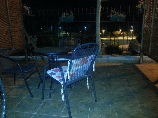 Seatanbul Apart: bolcony of room