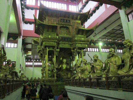 Lingyin Temple : Тысяча лиц Будды