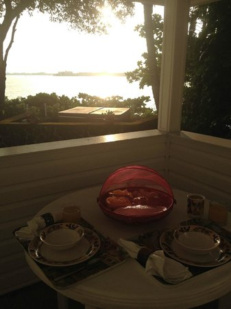 The Bay House: Loved the breakfast setup...and the view!