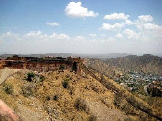 Jaigarh Fort : view- out of ramparts