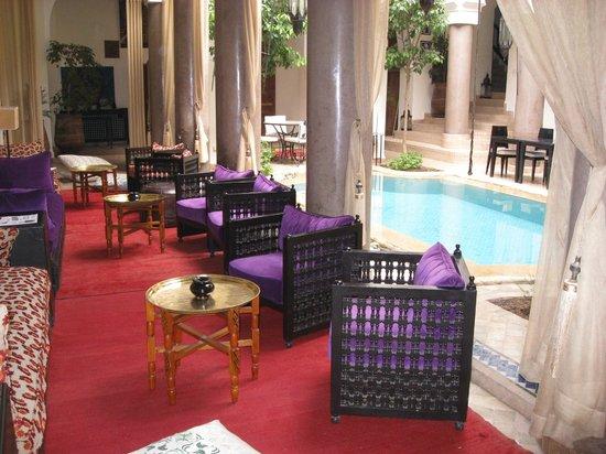 Palais Riad Calipau Marrakech: salon dans le patio