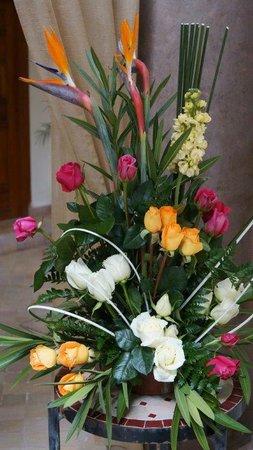 Des Jolies Fleurs Pour Mon Anniversaire Picture Of Palais