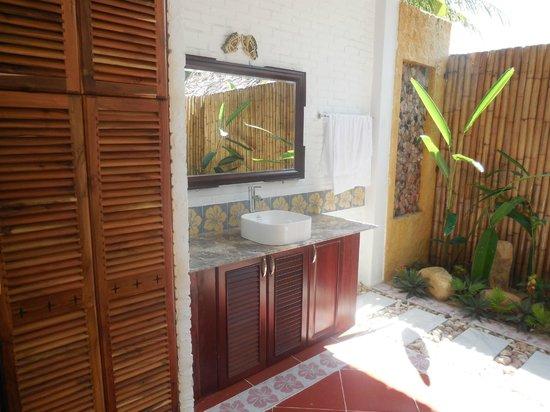 Green Hill Resort & Spa: Ванная комната бунгало