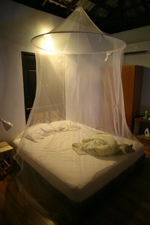 The Bohok Langkawi: bed with its mosquito net