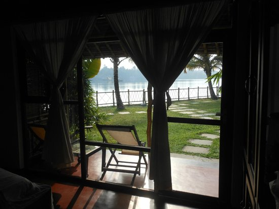 Les 3 Elephants Cherai Beach: The view from the room