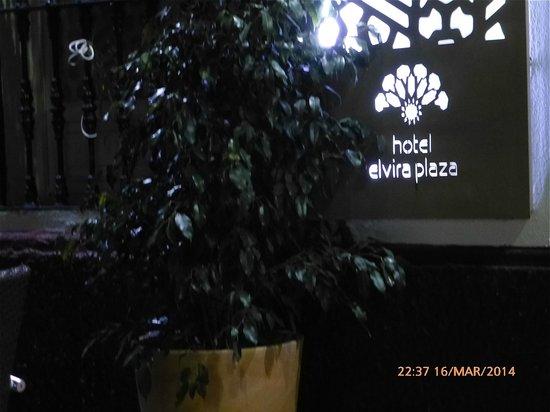 Hotel Boutique Elvira Plaza: Inngangsparti