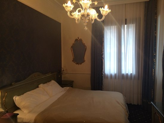 Hotel Violino d'Oro: Our lovely room