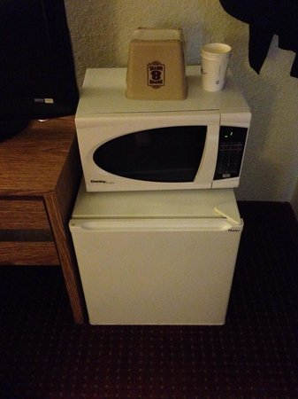 Super 8 Elizabethtown: If you hear a weird periodic buzzing in the middle of the night unplug your mini fridge.