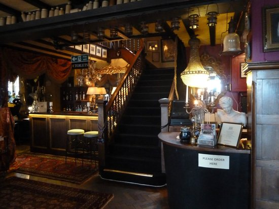 Millers At The Anchor: Reception area
