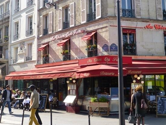 """Au Chien Qui Fume: straight out of the """"what a Parisian cafe should look like"""" book"""