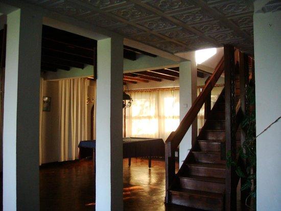 Les Hautes Terres Hotel: montée aux chambres et coin billard