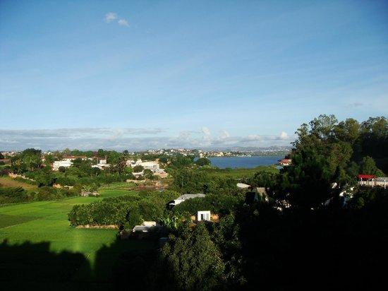 Les Hautes Terres Hotel: vue de la terrasse à droite, un peu plus haut que la chambre mais c'est la même vue