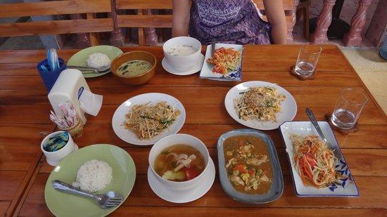 Smart Cook Thai Cookery School: françois & melanie