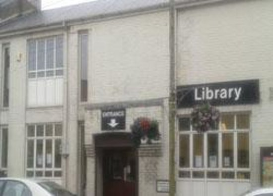 ‪Fivemiletown Library‬