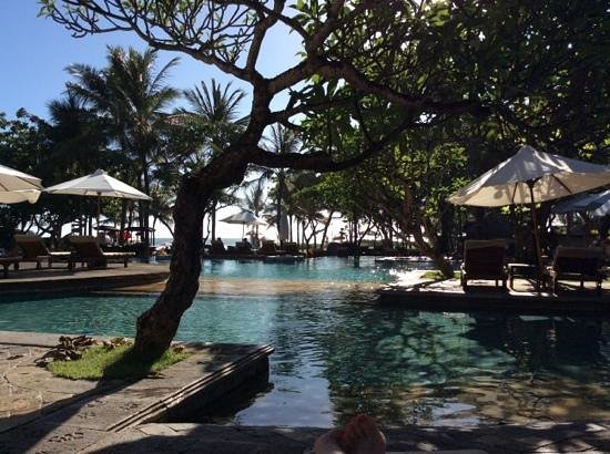The Royal Beach Seminyak Bali - MGallery Collection: la piscine
