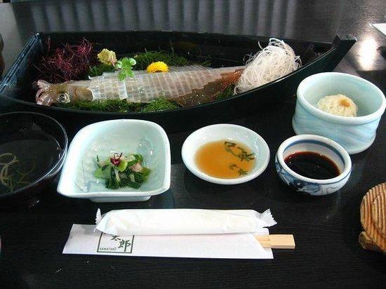 Kawataro, Yobuko Branchi: イカの活造り