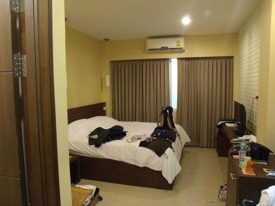 iCheck Inn Silom: tres grand lit