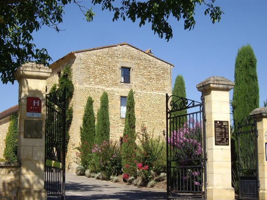 Hotel La Villa Romaine : L'entrée du site