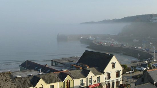 Cliff House Guest House: Misty harbour