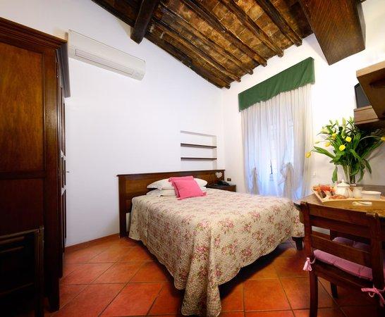 Villa della Fonte Guest House Photo