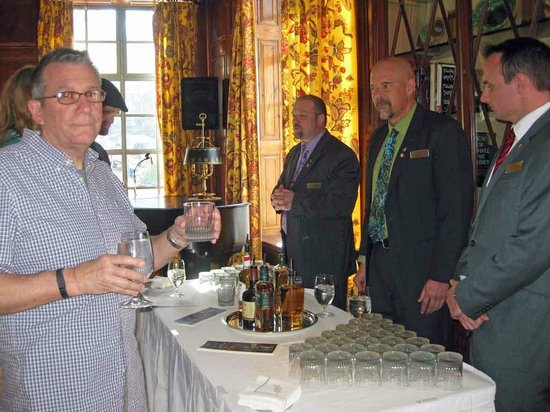 Old Edwards Inn and Spa : Whiskey Tasting Event