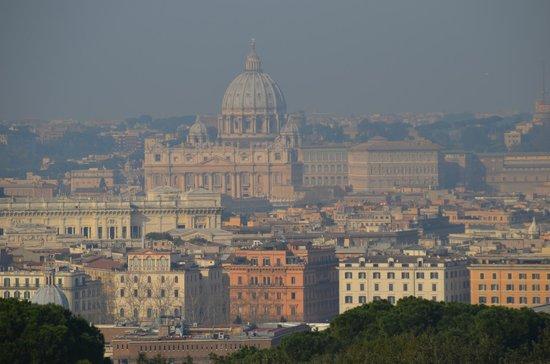 Hotel Splendide Royal : vatican vu de la terrasse
