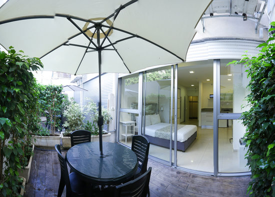 Sea Land: Enjoy your private terrace to relax after a long day sightseeing or at the beach