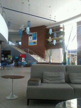 Mykonos Hotel & Convention Center : Lobby