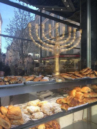 Sight Seeker's Delight Unique Walking Tours: A Jewish bakery in the Marais
